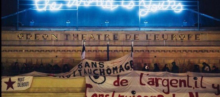 Parigi, gli intermittenti dello spettacolo portano la Nuit Debout al teatro Odéon