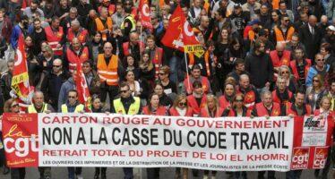 Macron mette di nuovo mano alle leggi sul Lavoro, sindacati scontenti ma divisi