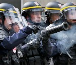 Agenti anti sommossa