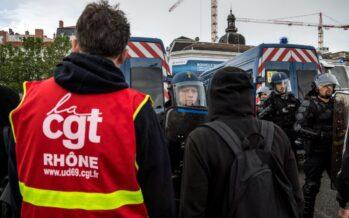 """Il governo Valls contro la """"convergenza delle lotte"""""""