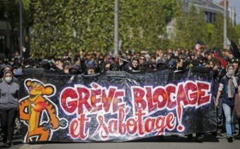 «On bloque tout»: ferrovie e metro bloccate contro la riforma del lavoro di Hollande