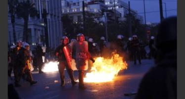 Negli ospedali di Atene che sono rimasti senza bisturi