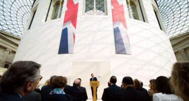 Cameron: «Senza di noi Ue in guerra»