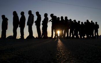 Arrivi in calo, asilo solo a 4 profughi su 10,  18 morti ogni mille sbarcati