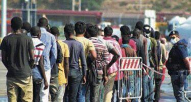 Centri in Africa e rimpatri collettivi i nodi del piano Ue per i profughi