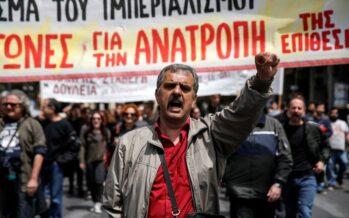 Sì del parlamento di Atene a nuove tasse e oggi Bruxelles potrebbe varare altri aiuti