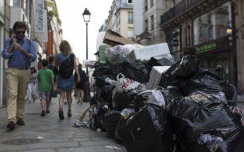 Calcio d'inizio, è caos a Parigi