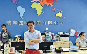 Soldi, calcio e l'appello a votare I cinesi alla conquista di Milano