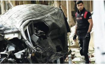 Autobomba nel cuore di Istanbul