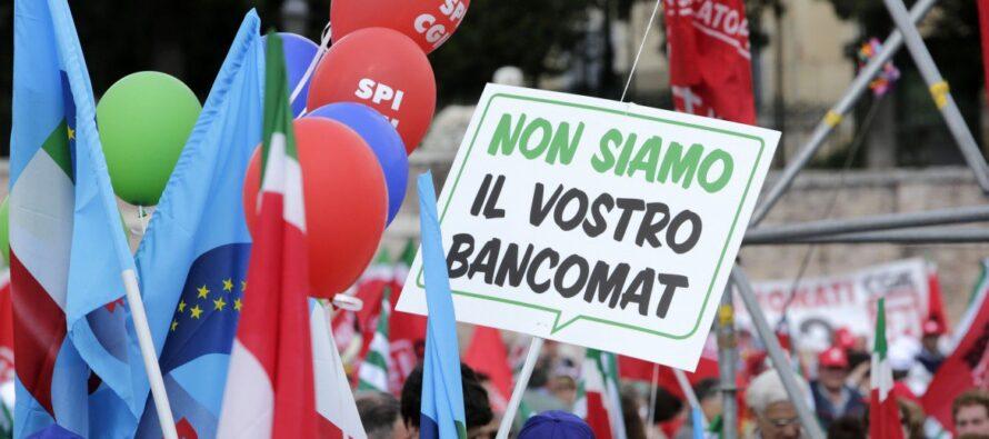 Anche i sindacati protestano: «Lega e 5S vessano i pensionati, in piazza contro l'ipocrisia»