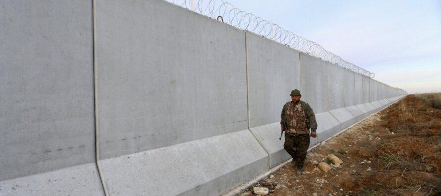 Massacro alla frontiera: 11 siriani uccisi dalle guardie turche