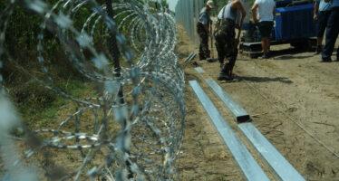 Lo sciopero dei migranti: «Fateci entrare in Europa»