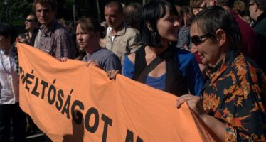 """Criminalizzare la povertà. Ungheria, un """"caso"""" tutto europeo"""