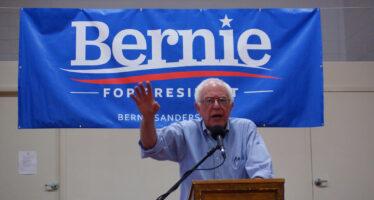 """La carica dei 30mila irriducibili di Bernie """"Uccidono il partito noi non ci stiamo"""""""