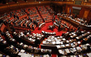 La Camera approva il Ddl povertà e prova a svuotare il mare con un cucchiaio