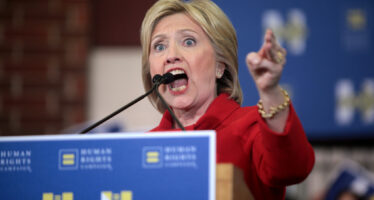 Presidenziali Usa, irrompe l'Fbi: indagine su Hillary