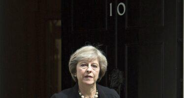 La premier Theresa May si arrende. I Tories allo sbando