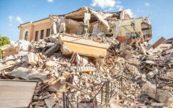 Terremoto, un anno dopo. Comunità svuotate, restano le macerie