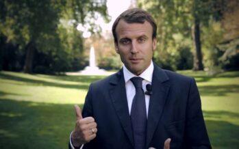 Macron dà le dimissioni, una sfida a Hollande