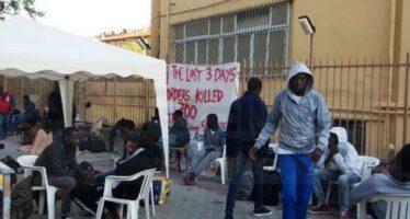Rifugiato somalo muore nel rogo di capannone occupato