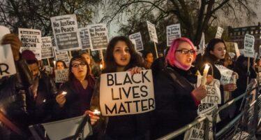 Chicago: 18enne nero ucciso, sospesi tre poliziotti