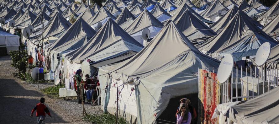 Ankara alza la voce con l'Ue, ma i profughi aiutano l'economia