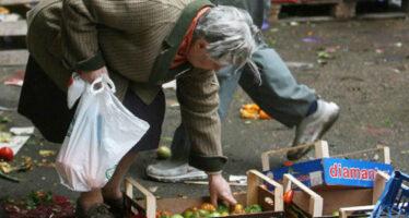 """Povertà, """"Italia primo Paese in Europa per cittadini in condizioni di deprivazione. Sono 10,5 milioni"""""""