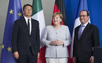 """Renzi vede Merkel e Hollande """"Rilanciamo la Ue dal basso"""""""