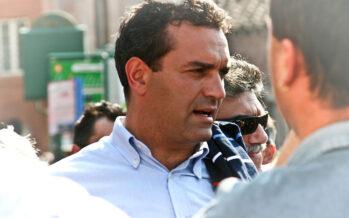 Il sindaco di Napoli De Magistris: «Il traditore della Carta è il ministro. Se ne vada lui»