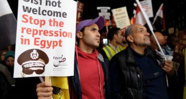 Repressione in Egitto: 2.300 arresti, c'è anche il blogger Alaa Abdel Fattah