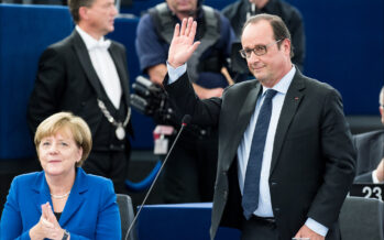 Hollande sull'orlo di un suicidio politico