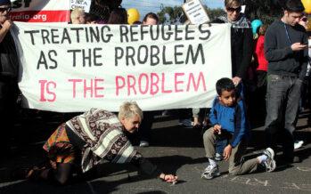 Papa Francesco e «Civiltà Cattolica» non fanno sconti sui migranti