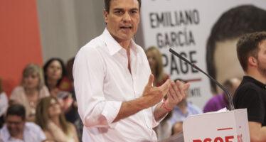 Sánchez si dimette nel caos. E il Pp ora vede il governo