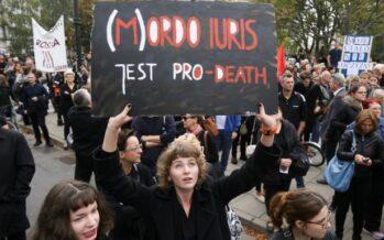 Vittoria delle donne. Il parlamento boccia il divieto totale di aborto