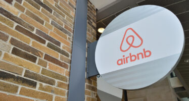 Renzi stoppa la nuova «tassa Airbnb»