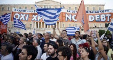 L'Eurogruppo ricatta: congelato l'accordo sul debito greco