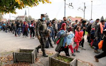 Profughi abbandonati lungo i confini della rotta balcanica