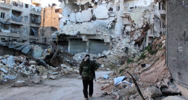 In Siria bomba contro i civili in fuga: 100 morti