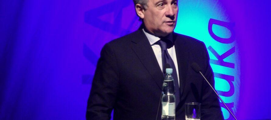 Europarlamento: vince Tajani, il presidente preferito dalla destra