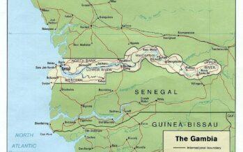 Gambia ha due presidenti: Barrow s'insedia all'estero