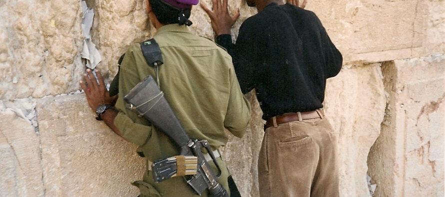 Gerusalemme: Camion fa strage di soldatesse