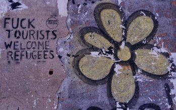 Barcellona controcorrente «Stop ai turisti, sì ai rifugiati»
