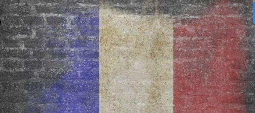 Macron sceglie un primo ministro di destra, Edouard Philippe