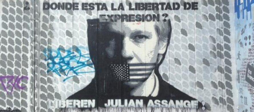 La «minaccia» di WikiLeaks per i potenti: informare tutti
