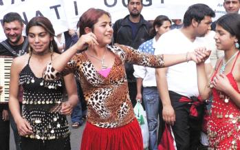 Santino Spinelli, musicista e professore rom: «Una strage figlia della segregazione»
