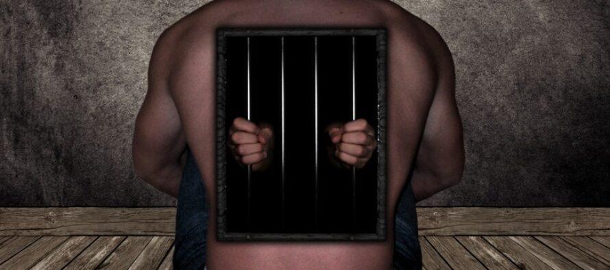 Italia grottesca sul reato di tortura. Arriva la legge, ma l'Europa l'ha già bocciata