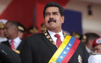 Venezuela, almeno 12 morti nel giorno del voto sulla Costituzione