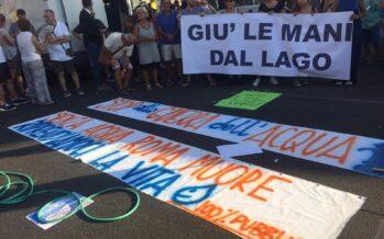 Roma, in piazza i movimenti per l'acqua: «Ripubblicizzare Acea Ato 2»
