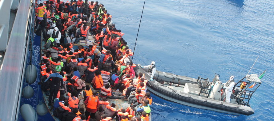 Migranti, in Sicilia duemila nuovi sbarchi, il Viminale rivendica successi