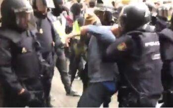 Si riattiva la crisi in Catalogna, con arresti, nuovi «esili» e scontri